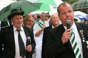 Moderation Königsschießen Fritz Gembries und Stefan Altefrohne